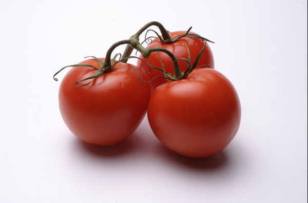tomato red juicy organic fresh tomatoes bumch ripe